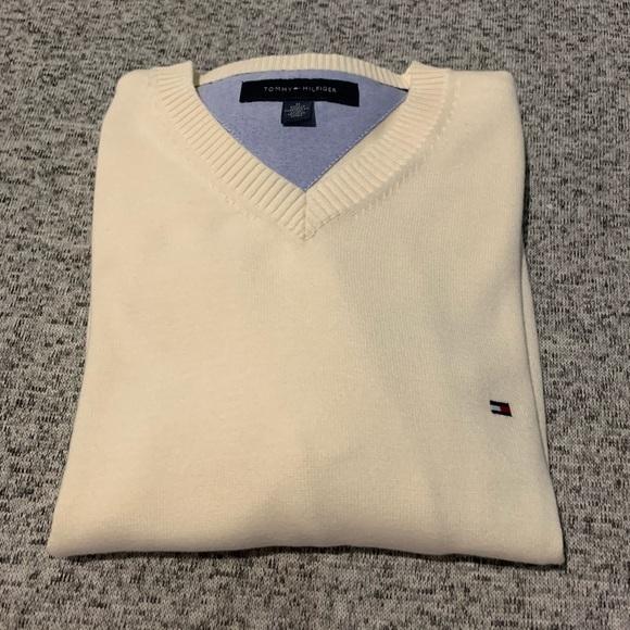 Tommy Hilfiger Other - Tommy Hilfiger V-neck sweater M Cream color